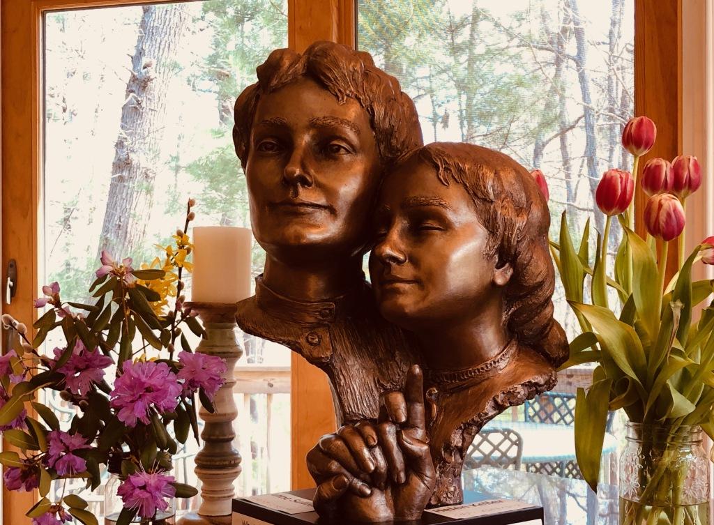 Helen Keller bust